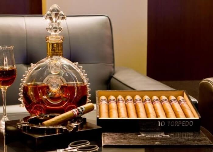 Doanh thu xì gà CUBA đạt kỉ luật nhờ nhu cầu từ Trung Quốc