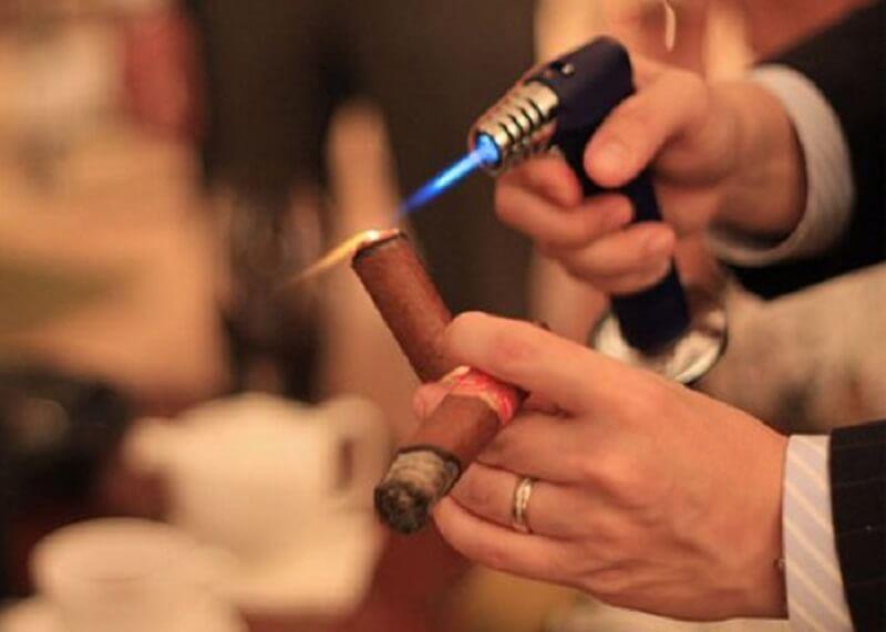 Dụng cụ xì gà - Thú vui tao nhã cho người hút xì gà chuyên nghiệp