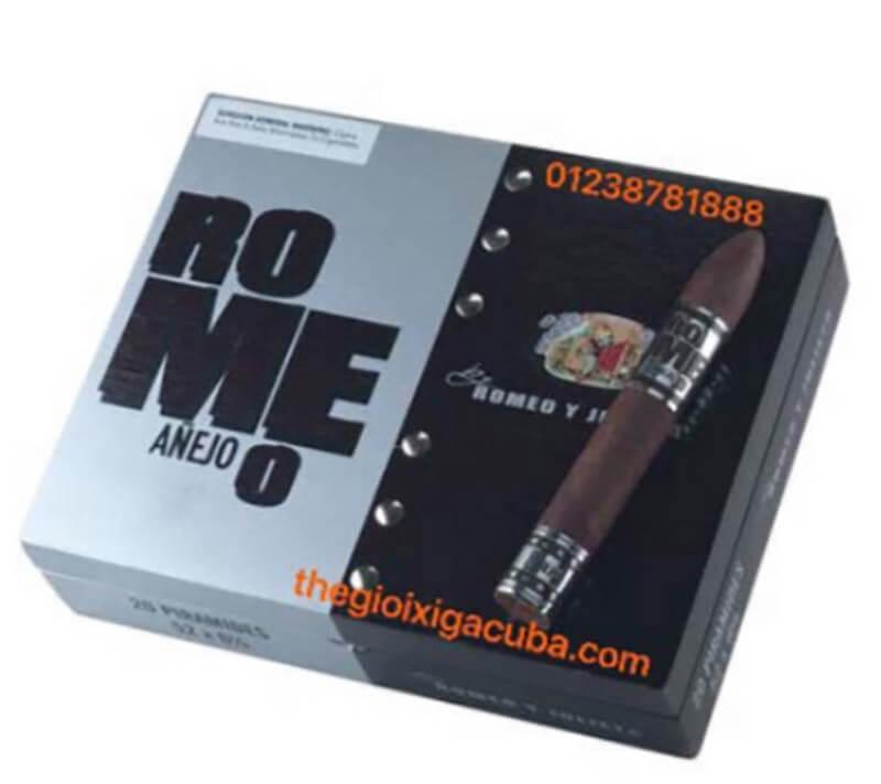 Kiểm tra màu sắc trên hộp xì gà