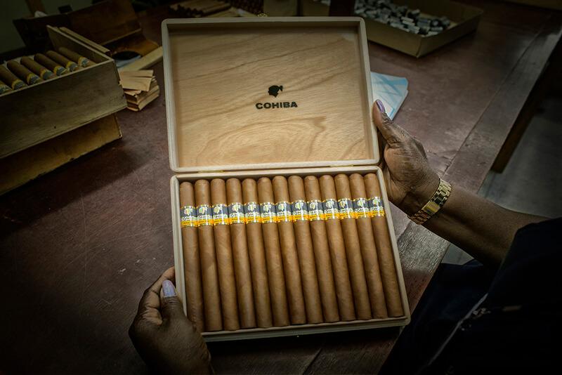 Xì gà Cuba là món quà tặng thời thượng nhất